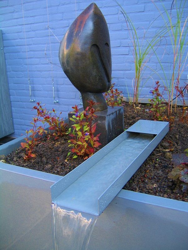 Water feature by Guy wolfs