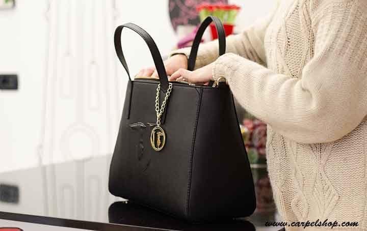 Borsa Itbag Trussardi Nero disponibile Online su Carpel Shop. www.carpelshop.com