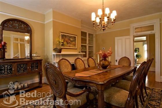 Carolina Dining Room Breakfast