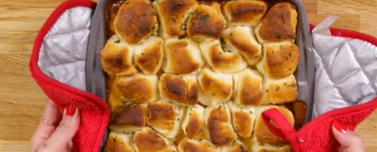 Cover Image - This Chili Cheese Bubble Up Bake Will Leave You Drooling