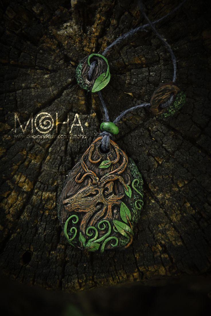 Elven deer amulett. Fully handmade.   #polymerclay #deer #handmade #pendant #jewellery #amulett #elven #wood #forest    www.facebook.com/vickpicture www.facebook.com/mohaekszer