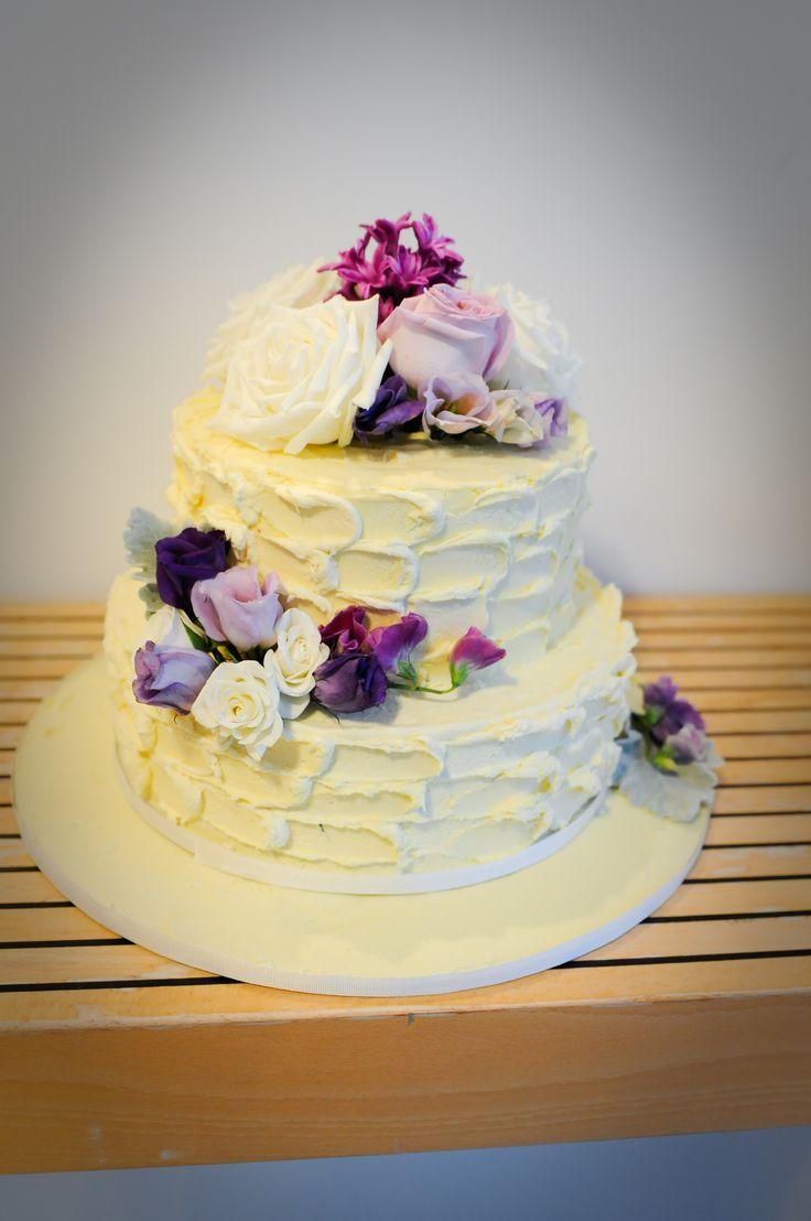 White Chocolate Ganache Cake Decorating Ideas : 34 best images about White chocolate wedding cakes on ...