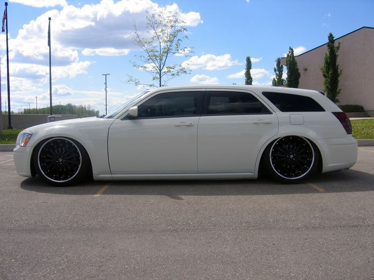 Dodge Magnum White with Black Rims Find the Classic Rims of Your