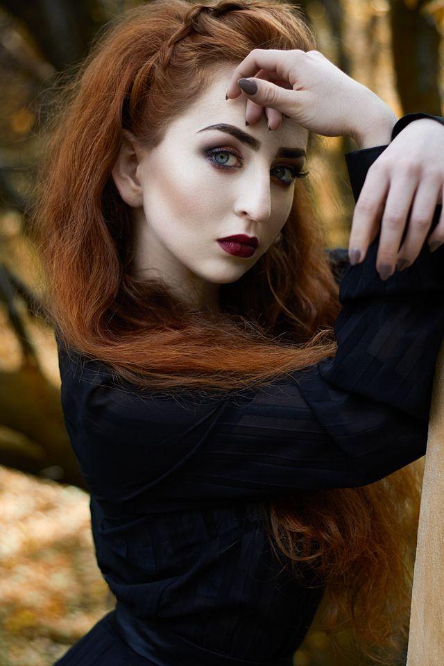 fot. Ewelina Dziedzic mod. Hanna Balwierczak mua. Maria Motal hair. Karolina Piętoń designer. Mateusz Kaszuba