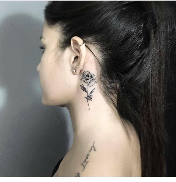 Girl Neck Tattoos Inspiration Girl Tattoos Em 2020 Tatuagem Pescoco Feminina Tatuagem No Pescoco Tatuagem De Rosa No Pescoco
