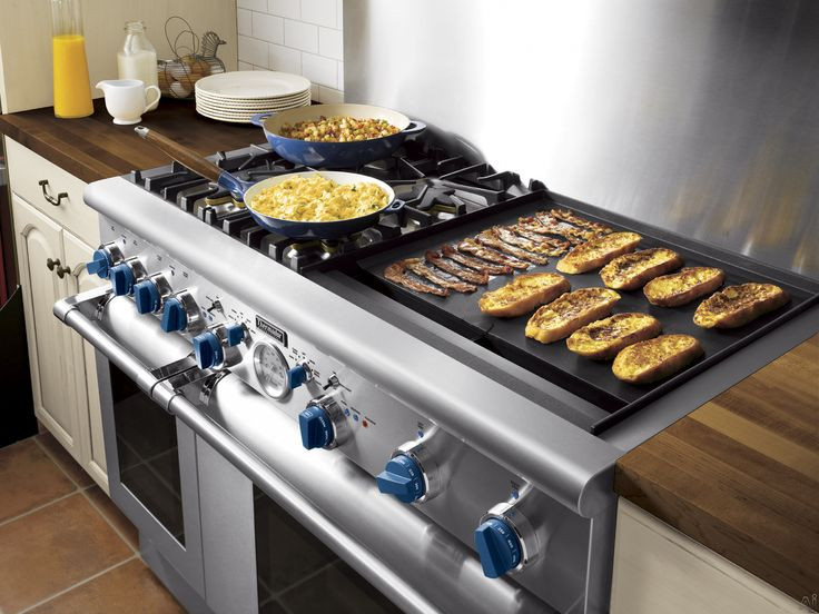"""Thermador PD484GED 48"""" Pro-Style Dual-Fuel Range with 4 Star Burners (2 w/ ExtraLow Simmer Settings) & 24"""" Electric Griddle, European 3rd Element Convection & Extra-Large-Capacity Oven"""