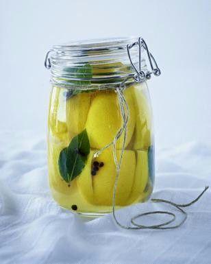 Das Rezept für Eingelegte Salzzitronen marokkanische Art und weitere kostenlose Rezepte auf LECKER.de