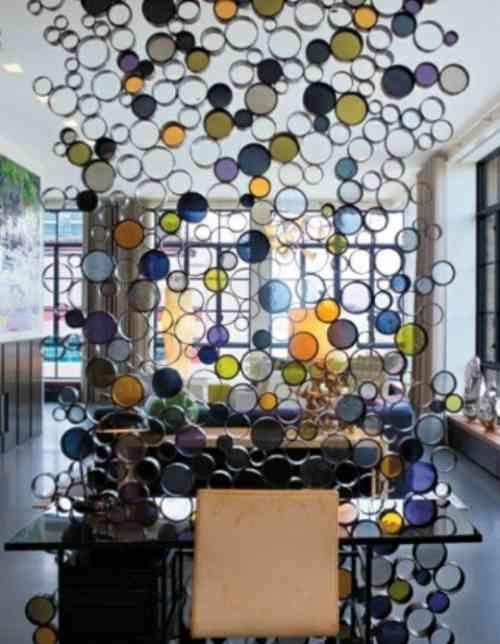 cloison design en verre coloré