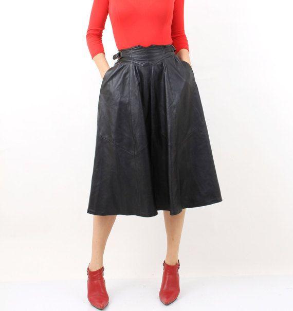 Vintage schwarze Leder hohe Taille Rock Pole Nors von JustGiza                                                                                                                                                                                 Mehr