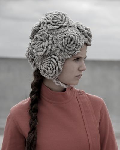 Knitting A Scarf Fashion