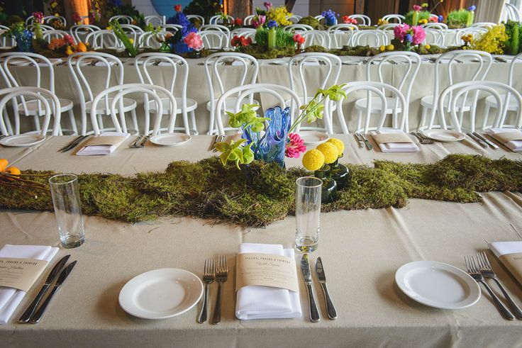 Brilliant tablescapes for spring and the Melbourne Cup! @ Simmer on the Bay. Styled by Decorative Events & Exhibitions. Image by Harustudio for business. www.eventbirdie.com