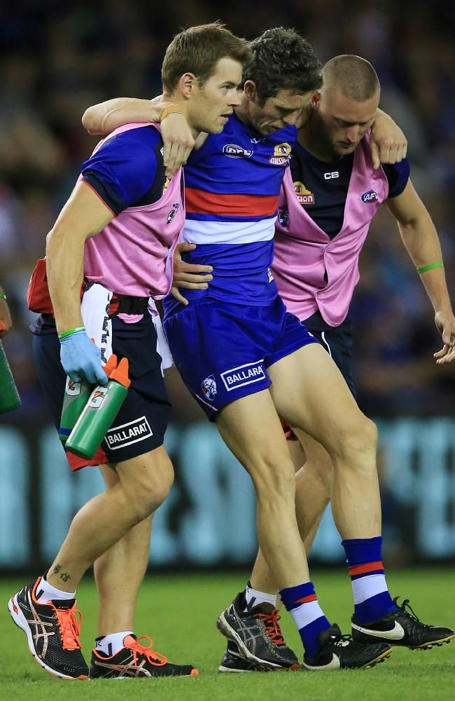 Hawks hang on in dramatic finish with Dogs #WesternBulldogs...: Hawks hang on in dramatic finish with Dogs… #WesternBulldogs