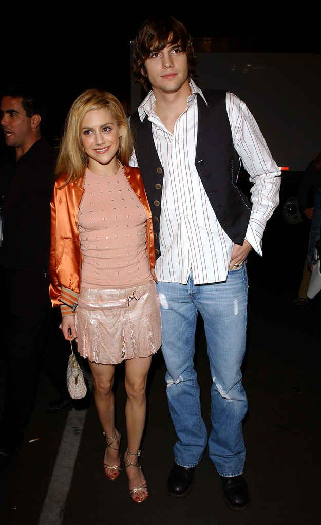 Ashton Kutcher and Brittany Murphy   19 Totally Forgotten Celebrity Couples Of The '00s