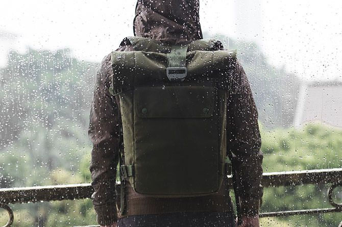 Bluelounge small backpack comes in Green
