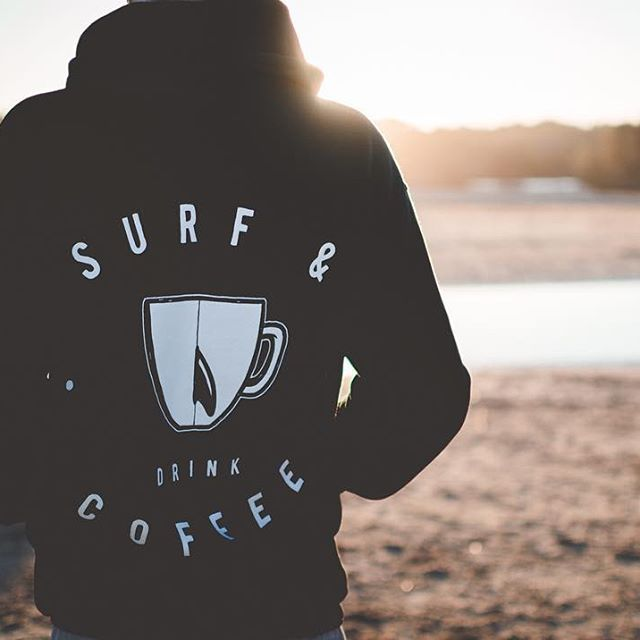Stay Warm this Winter // New Compound Hoodies and Crew Jumpers in stock // 📷 @nickbradleyphoto // #surfanddrinkcoffee 🌊☕️✌️ purchase online at www.compoundsurfespresso.com shipping worldwide 🛳🌎