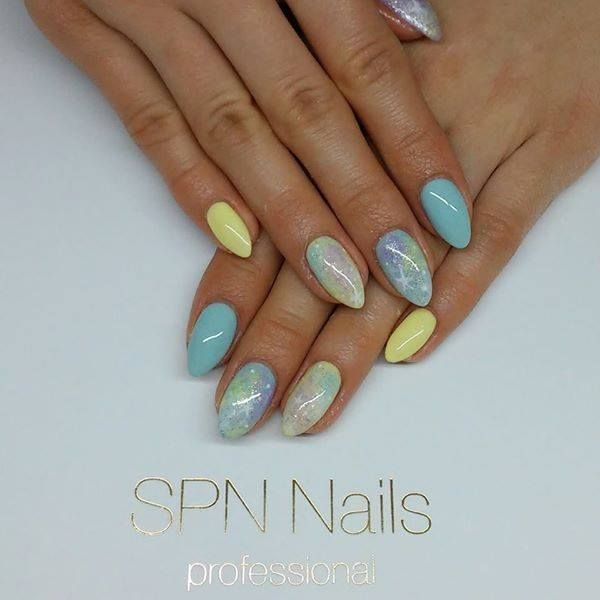 SPN UV LaQ 625 Pastel Mint, 534 Little Sun, 609 Pastel Violet Nails by Alicja Koziołek