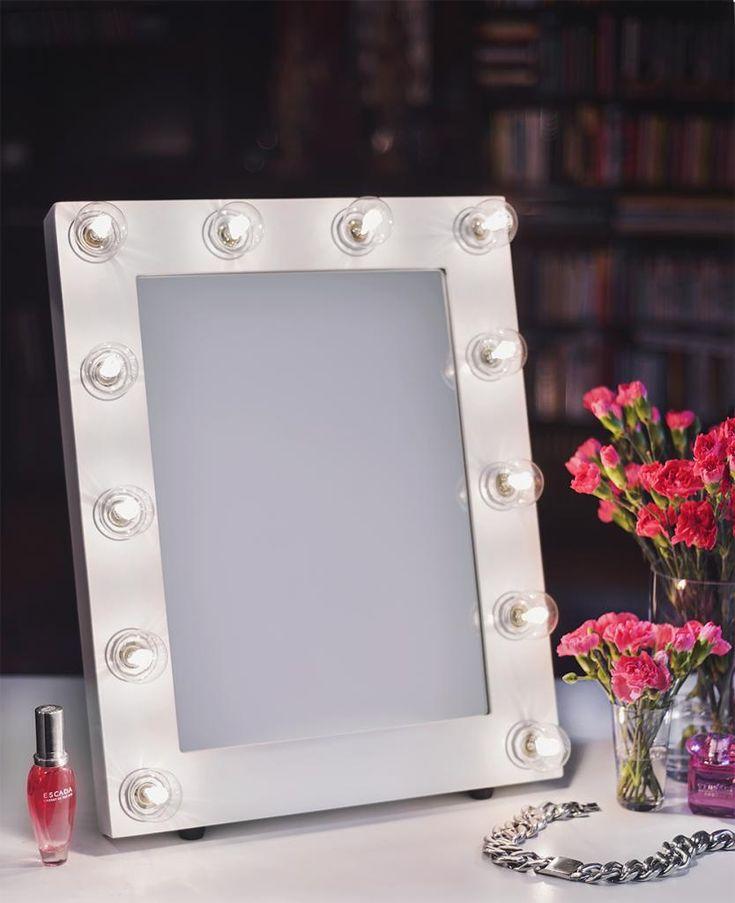 Makeupmirror CHLOE – Classic white | MAKEUPMIRROR.COM