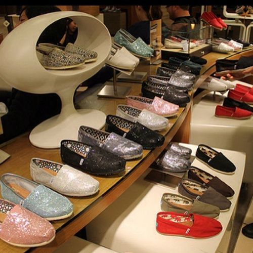 Dream closet  Toms Outlet! $19.99 Holy cow, I'm gonna love this site