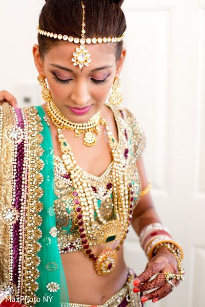 getting ready http://maharaniweddings.com/gallery/photo/18146