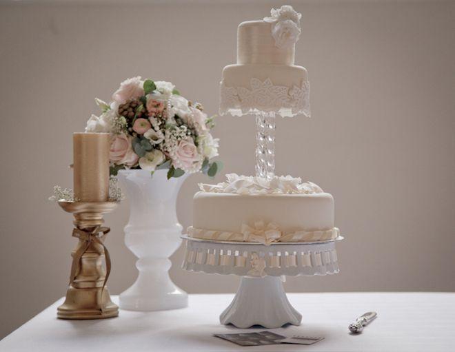 1920s Style Wedding Cake at Farnham Castle