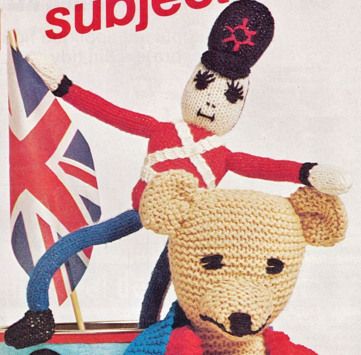 BRITISH MASCOT JUBILEE JACK GROOVY GUARDSMAN 43 CMS TALL 8 PLY KNITTING PATTERN
