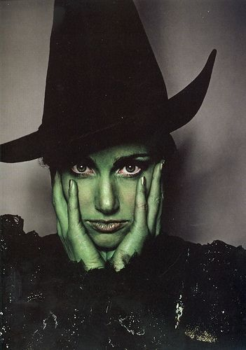 It IS the quintessential American fairy tale.Theatres Nerd, Favorite Movie People, Movie Witches, Favorite Celebrities, Makeup Design Theatres, Broadway Makeup, Idina Menzel Elphaba, Witch Makeup, Halloween Fal