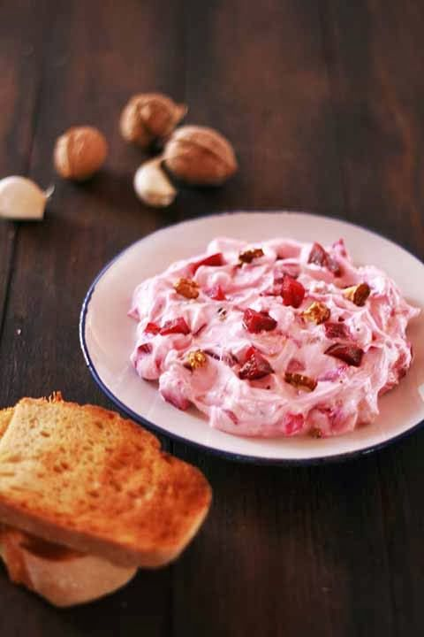 Patzarosaláta - Beetroot, Greek yogurt and walnut salad / cookmegreek