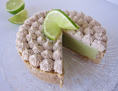 Satisfy your sweet tooth the green way with this luscious Raw Lime Avocado Tart!