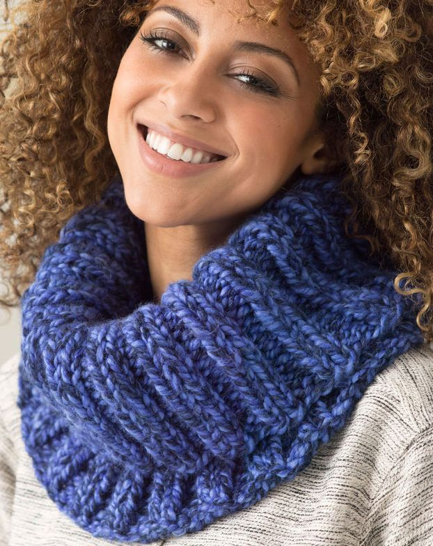 Free Knitting Pattern for Easy Quick Ribbed Cowl - This easy cowl is a quick knit in super bulky yarn. | Quick knits, Free knitting, Easy knitting