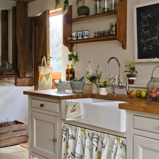 I like this...Farms House, Kitchens Design, Kitchens Pictures, Rustic Kitchens, Farms Sinks, Farmhouse Kitchens, Farmhouse Sinks, Country Kitchens, Kitchens Sinks