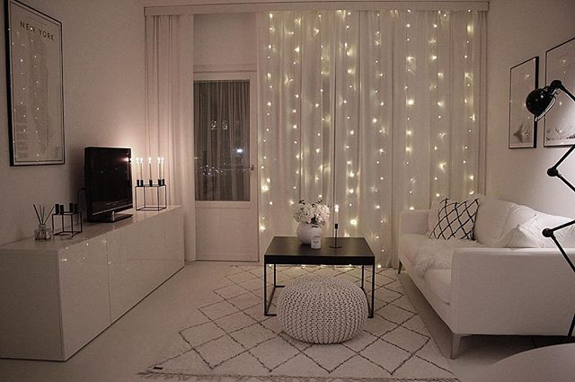 Cozy evening . . . #charmingsunday @futurenordichome #mynordicroom #homedecor #nordicdesign #homestyle @mittlillehjerte #dittlillehjerterom #kajastef #minimalism #minimal #minimalist #monochrome #interior #myhouseidea #homeadore #interior4all #instahome #dream_interiors #simplicity #interior9508 #passion4interior #whiteinterior #homestyling #interiordecor #interiorstyling