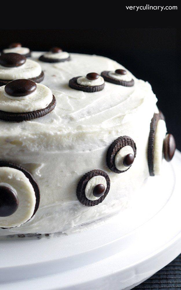 Easy Ghost Cake   21 Spooky Halloween Dessert Ideas