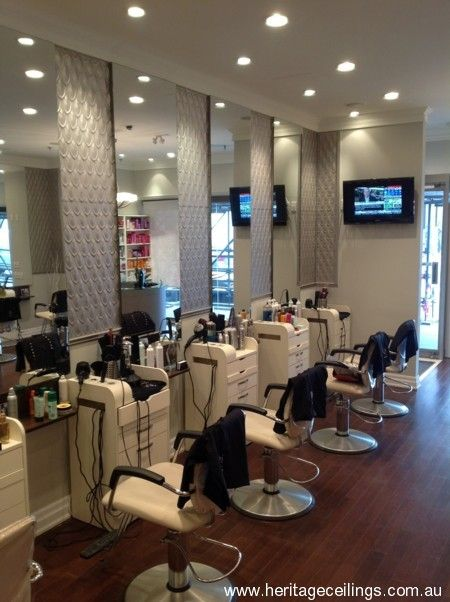 The aluminium Fishscale panel was used in the Qi Toronto hair salon.