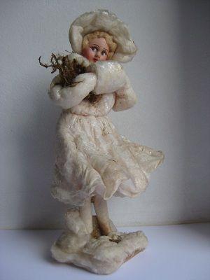 Довоенная ватная игрушка. Девушка с муфтой