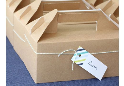 These hamper boxes are ideal for individually packaged meals or picnic food for guests