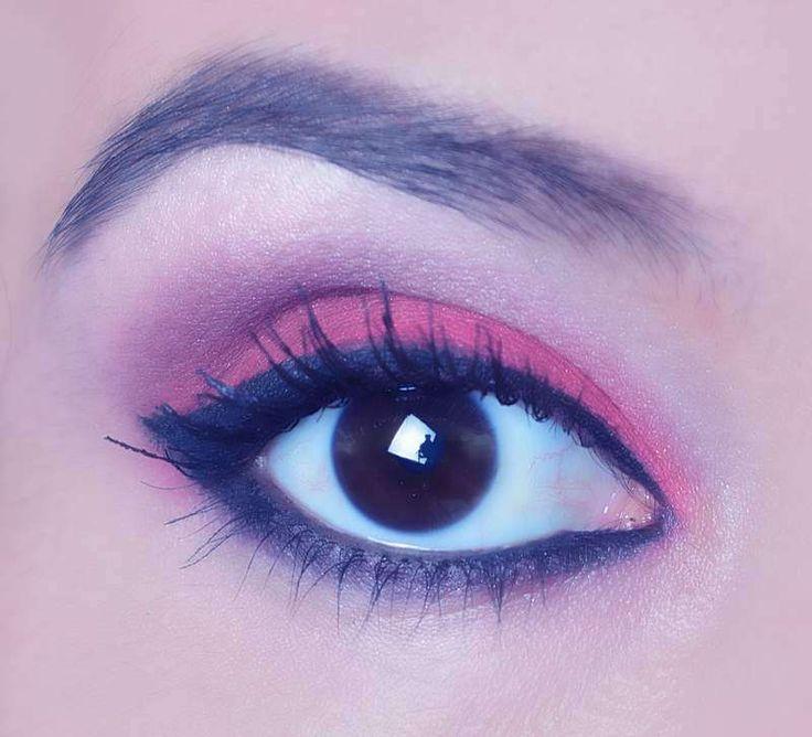 Tutorial de maquillaje de ojos rojo ahumado
