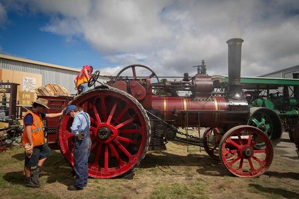 #SteamFest #Tasmania. Photo by Benita Bell of Daydream Photography; article for think-tasmania.com