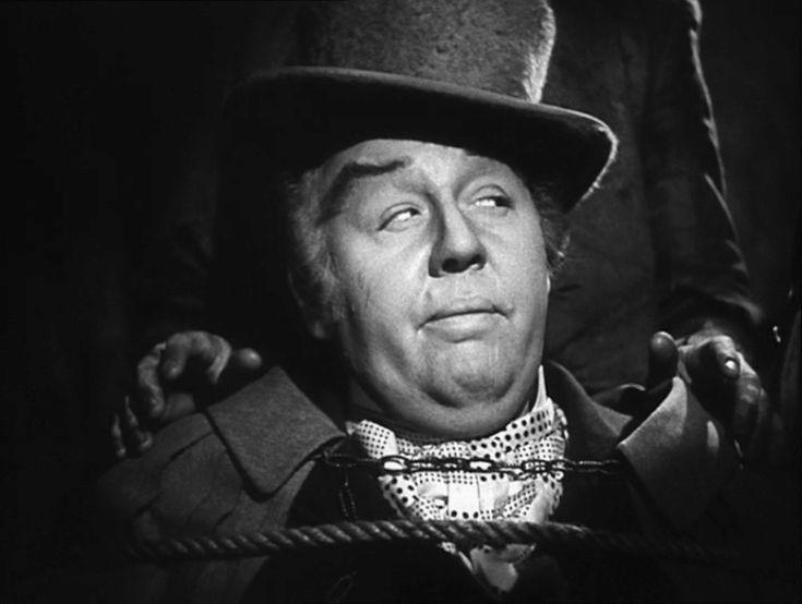 """""""La posada maldita"""" (""""Jamaica Inn"""", 1939). Stars: Maureen O'Hara, Robert Newton, Charles Laughton. En Cornwall, Inglaterra, alrededor de 1800, una joven descubre que está viviendo en una posada desde donde una banda de criminales arregla naufragios por dinero."""