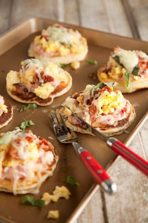 Mini Breakfast Pizza Pies