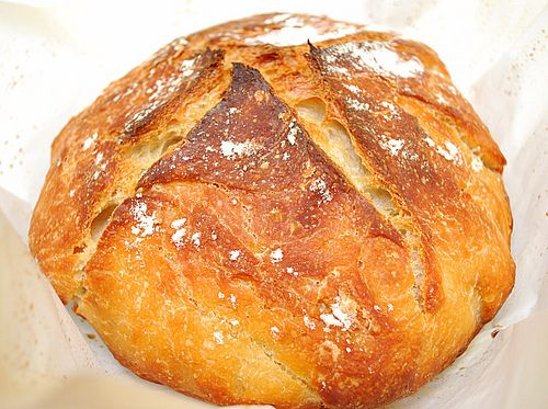 Almost no-knead bread. Good recipe for beginners.