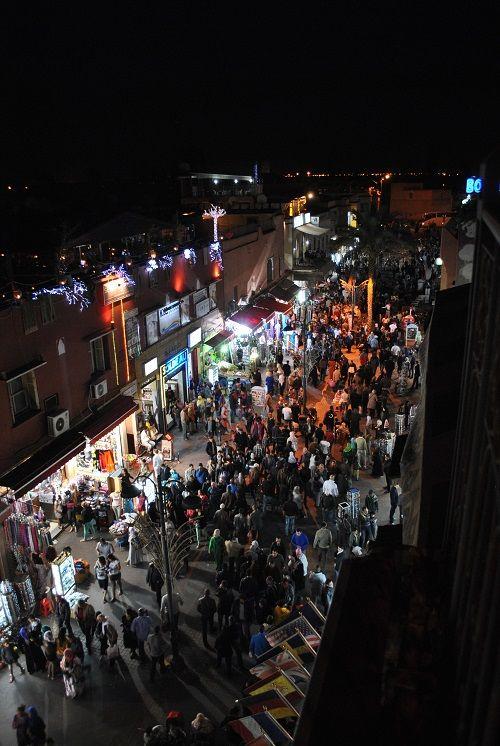 Vita notturna di Marrakech dalla terrazza del riad