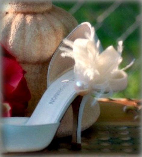 Shoe Clips Ivory / White / Black  Loops Pearl & by sofisticata, http://sofisticata.etsy.com whimsical wedding heel accessory. MORE colors available!