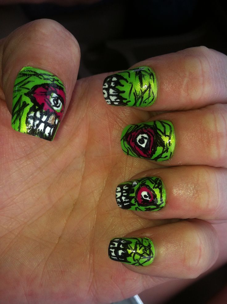 Zombie nails... Done a few sets since this one :)
