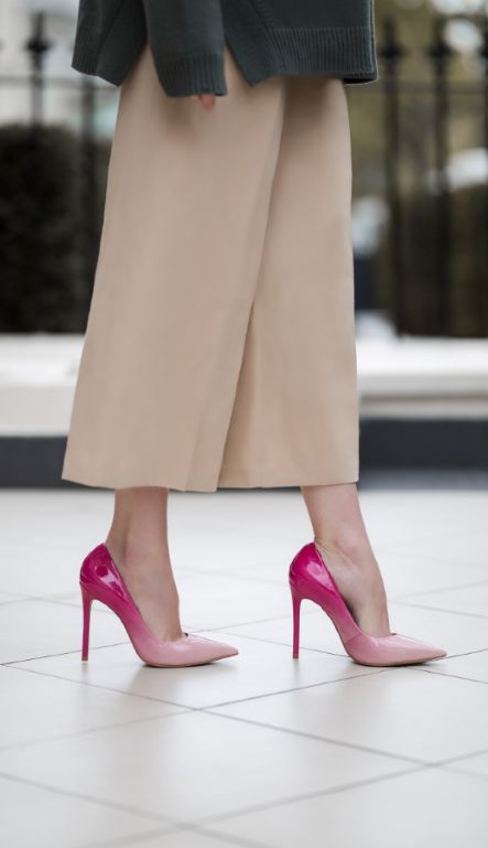 This glossy, streamlined court stands tall on a slim 120mm heel, graduating from cerise to pale pink at the toe. Add a splash of seasonal colour to evening looks with the on-point ombre styling of Alice from Carvela Kurt Geiger.