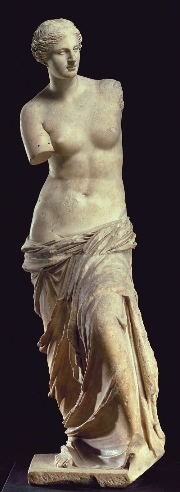 Venus de Milo (Aphrodite), Greek statue (marble), discovered on the island of Milos, 2nd century BC (Musée du Louvre, Paris).