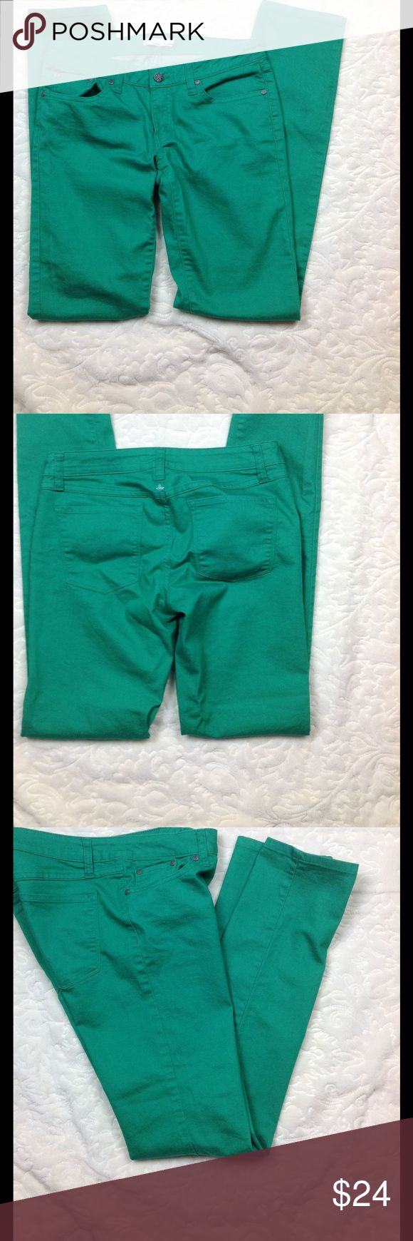 Prana Lime Green Pants cropped bottom skinny 6/28 Great condition 75% organic cotton 23 poly 2 spandex machine wash 32 1/2 inch length 8 rise 16 across waist Prana Pants Ankle & Cropped