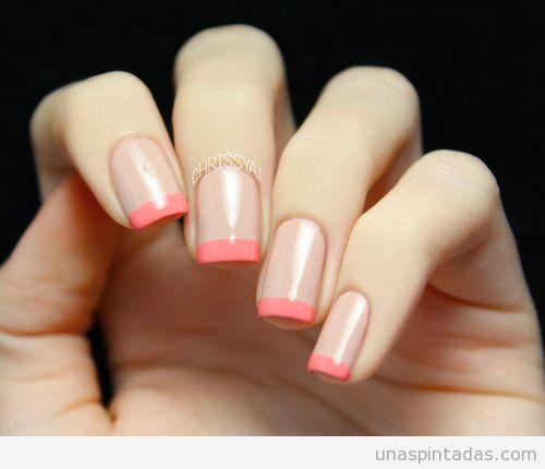 Manicura francesa con colores rosa palo y coral