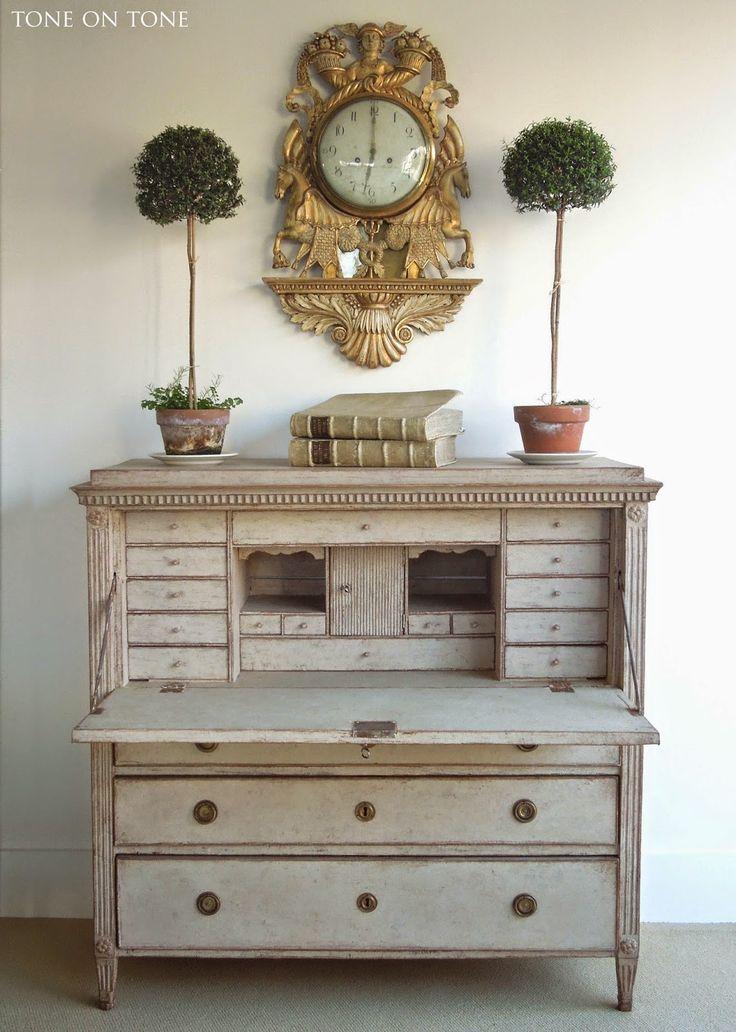 Tone on Tone: New Swedish Shipment! - French clock with Swedish secretary - 137 Best Gustavian & Swedish Antiques Images On Pinterest Chairs