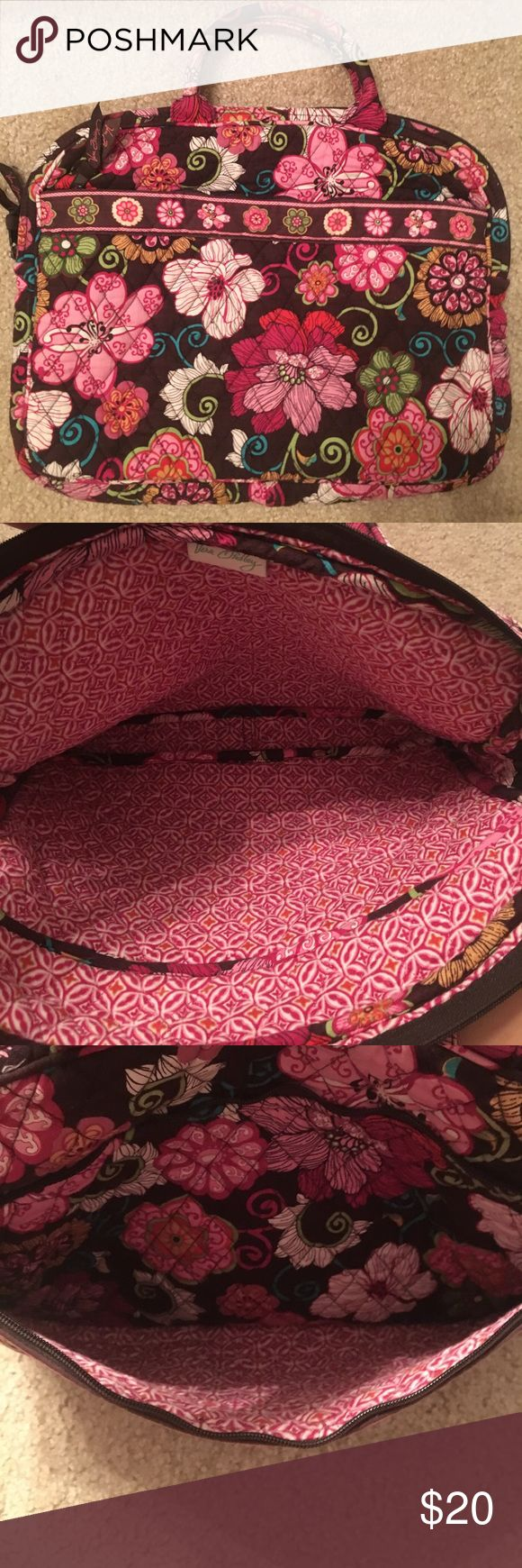 Vera Bradley laptop bag Great condition! Used, but still a ton of life left. I used it until I got my new computer, which doesn't fit in this bag. Make an offer or add to a bundle!! Vera Bradley Bags Laptop Bags