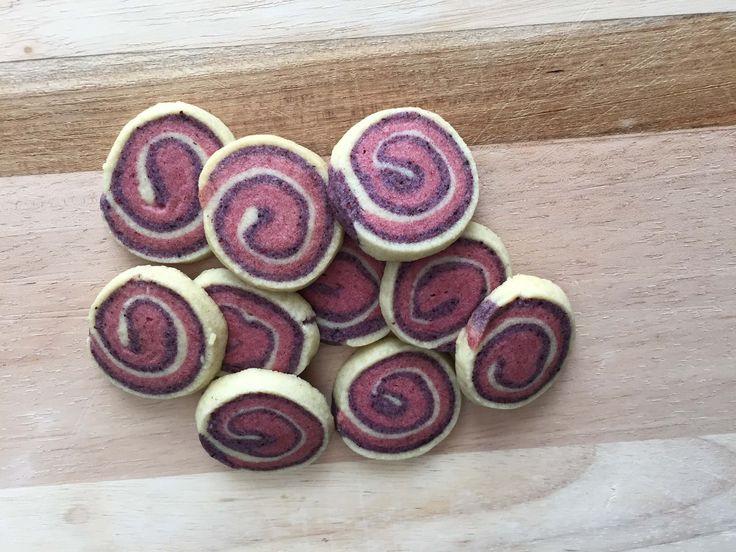 Virvelkakor med hallon och blåbär, småkakor recept, enkla kakor